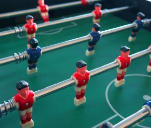 Stolný futbal patrí medzi najobľúbenejšie zábavné automaty v pohostinstvách
